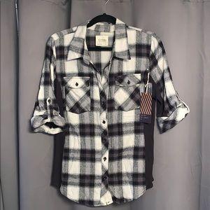 Black & Off-White Plaid Button-up Shirt